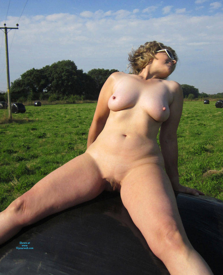 Pic #10 Lady Bee Out In The Country Part 2 - Nude Amateurs, Big Tits, Mature, Outdoors