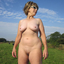 Lady Bee Out In The Country Part 2 - Nude Amateurs, Big Tits, Mature, Outdoors
