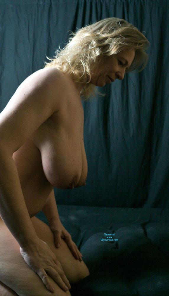 Pic #6 Busty Anne - Nude Amateurs, Big Tits, Mature