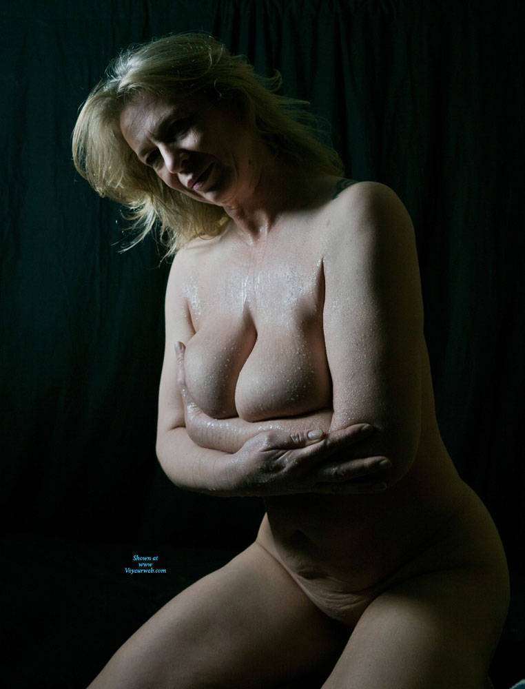 Pic #8 Busty Anne - Nude Amateurs, Big Tits, Mature