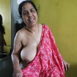 Bhojpuri Bhabhi - Nude Amateurs, Big Tits, Brunette, European And/or Ethnic