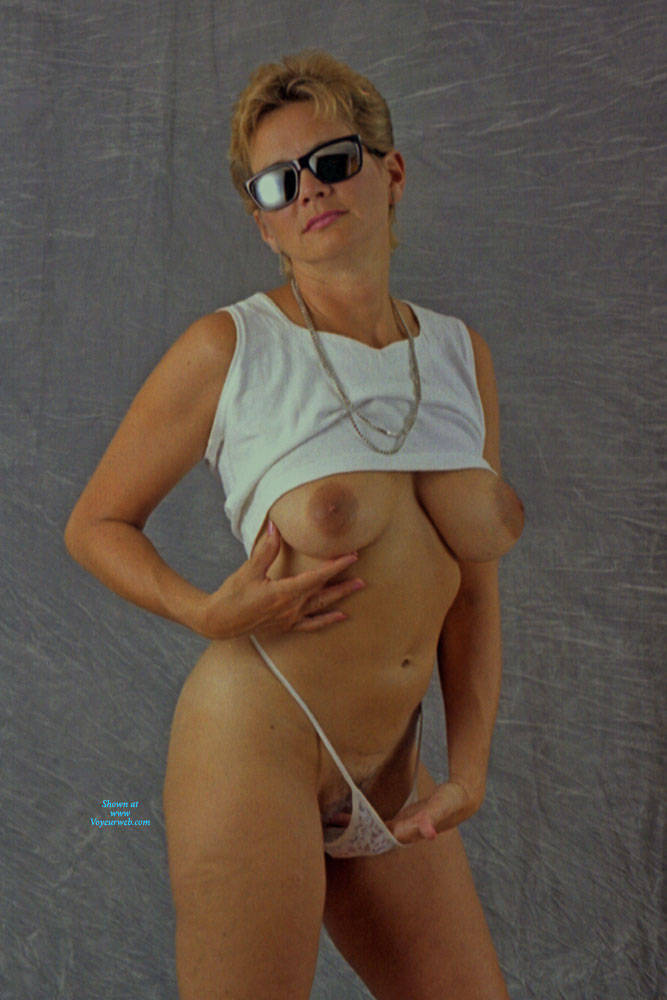 Pic #9 Studio And Nude Shots - Nude Wives, Big Tits, Bush Or Hairy, Amateur