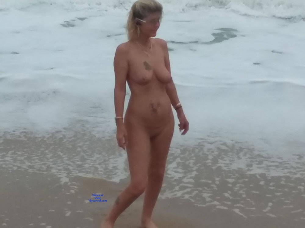 Pic #6 Fun At The Beach - Nude Girls, Beach, Big Tits, Outdoors, Amateur, Tattoos