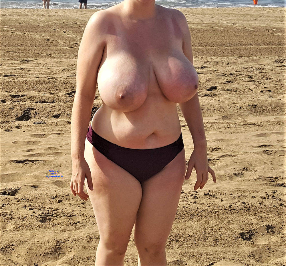 Pic #1 The Mrs Loves Getting Her Boobs Out! - Pantieless Wives, Beach, Big Tits, Outdoors, Amateur
