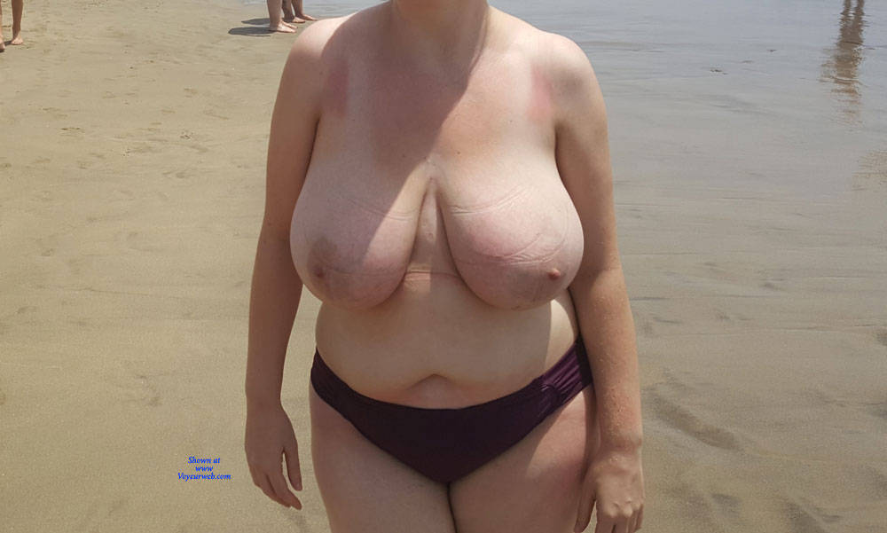 Pic #3 The Mrs Loves Getting Her Boobs Out! - Pantieless Wives, Beach, Big Tits, Outdoors, Amateur