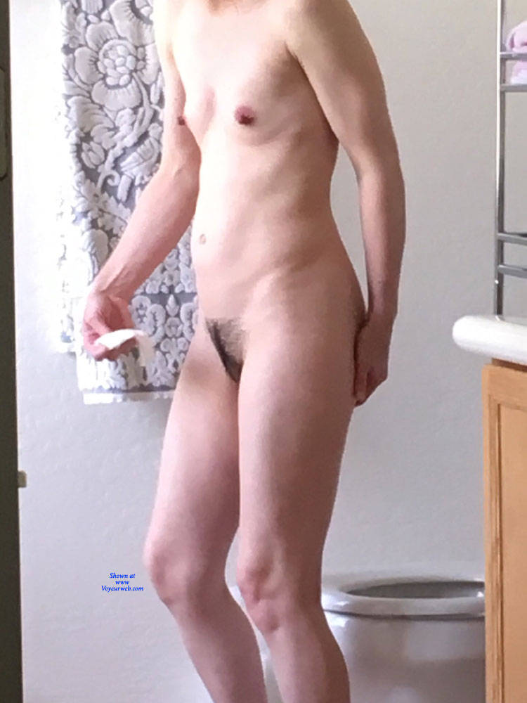 Pic #3 Using The Toilet - Nude Girls, Small Tits, Bush Or Hairy, Amateur, Mature