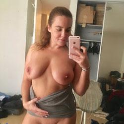 Kristy Teasing Me On The Road - Nude Girls, Big Tits, Brunette, Shaved, Amateur