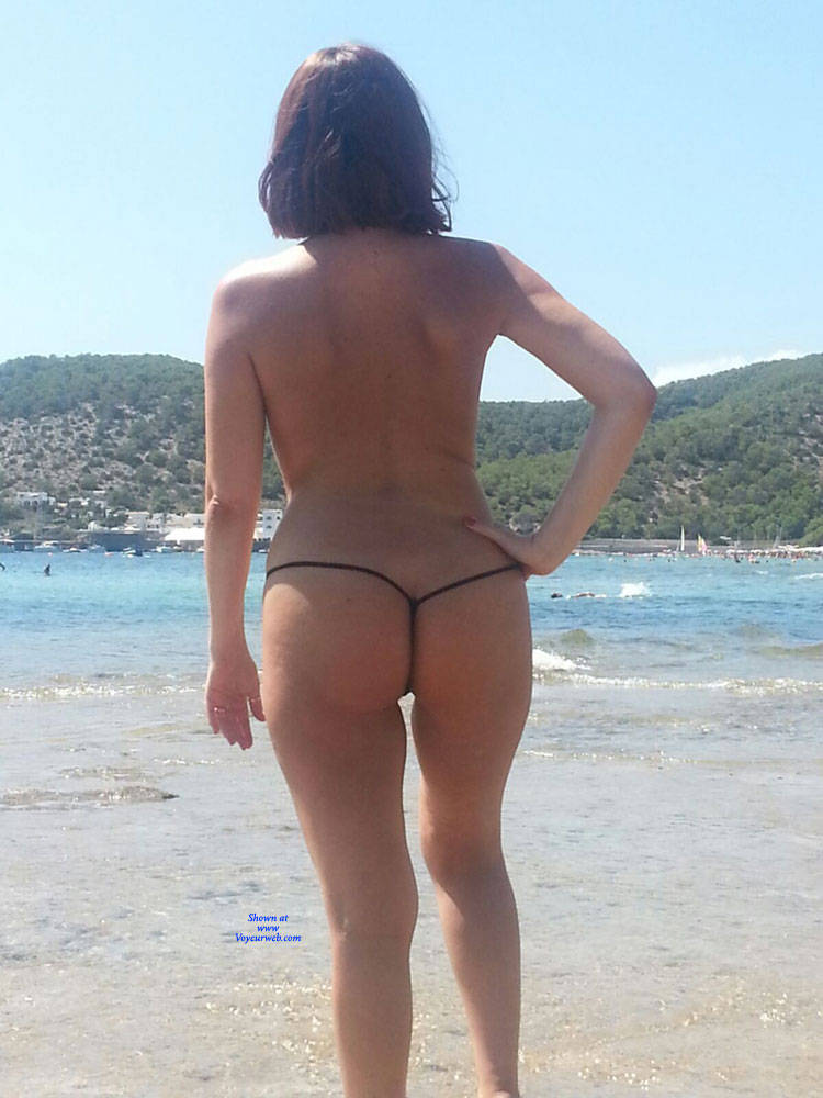 Pic #4 Scarlet In Black String - Topless Girls, Beach, Outdoors, Amateur