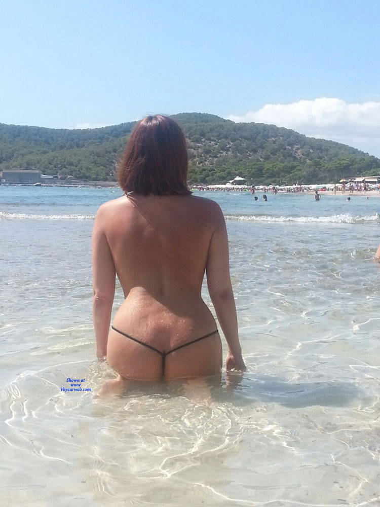 Pic #7 Scarlet In Black String - Topless Girls, Beach, Outdoors, Amateur