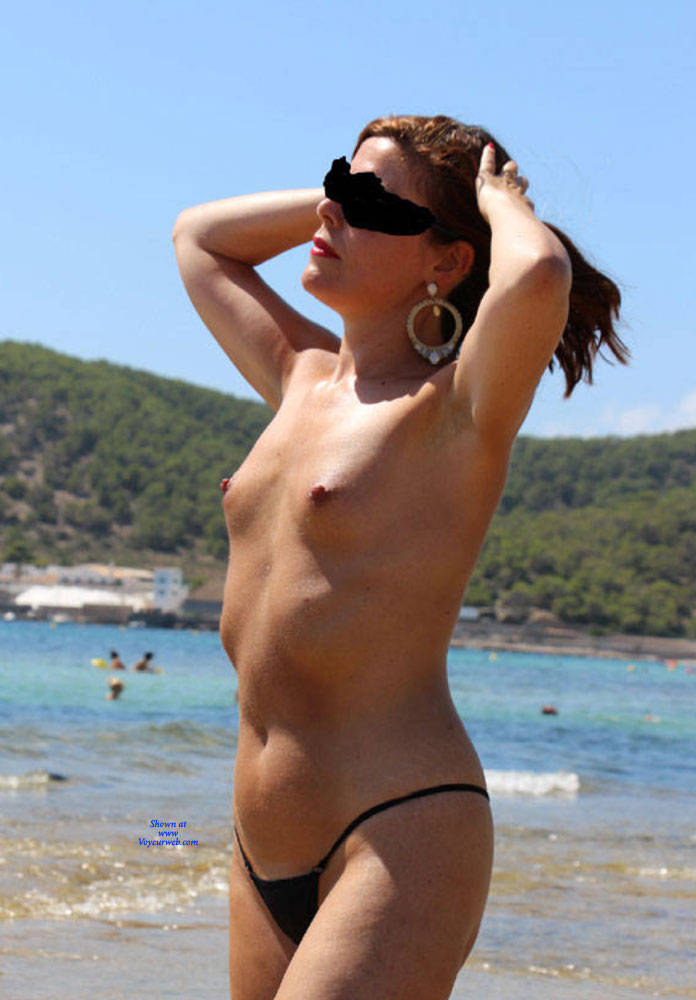 Pic #10 Scarlet In Black String - Topless Girls, Beach, Outdoors, Amateur