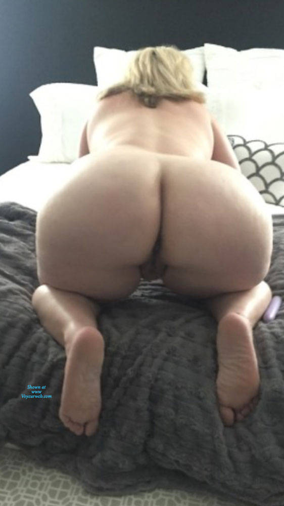Pic #2 My Big Ass And Sexy Feet - Nude Amateurs, Big Ass, Mature