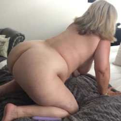 Mature nude butt