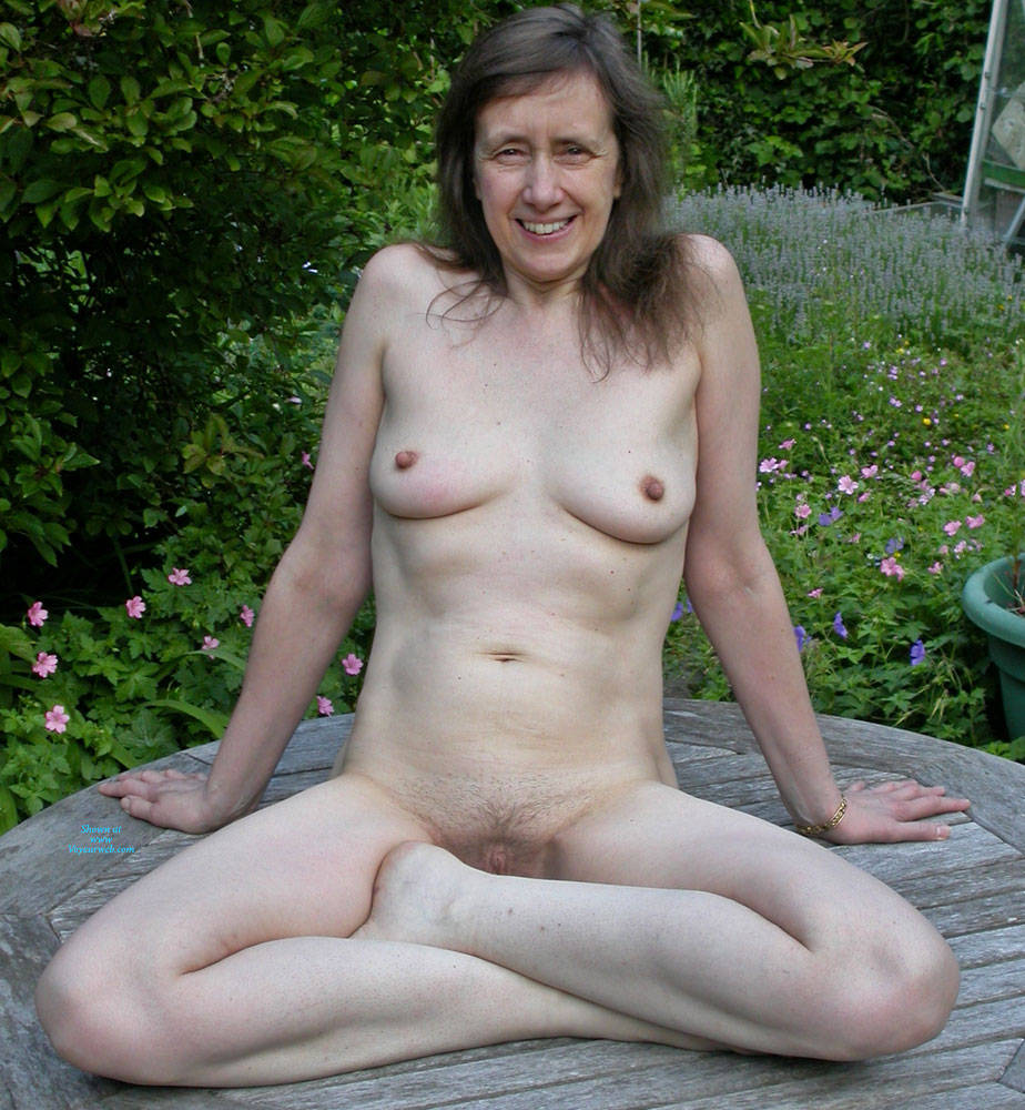 Pic #1 Medley - Past and Present 2 - Nude Amateurs, Brunette, Mature, Outdoors
