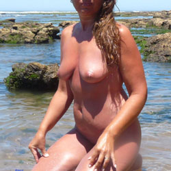 Naked In The Sun - Nude Girls, Beach, Big Tits, Outdoors, Shaved, Amateur