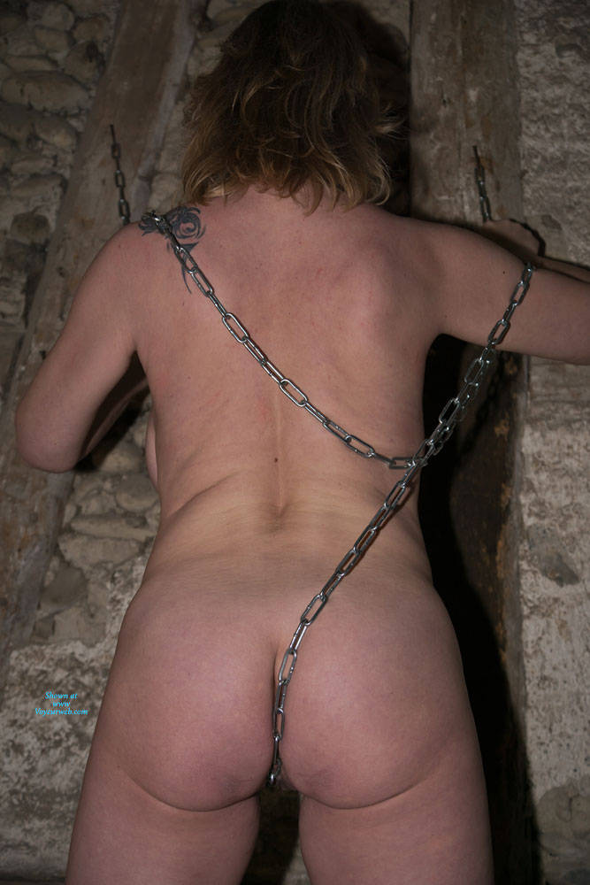 Pic #10 Anne In The Dungeon - Nude Amateurs, Big Tits, Brunette, Mature