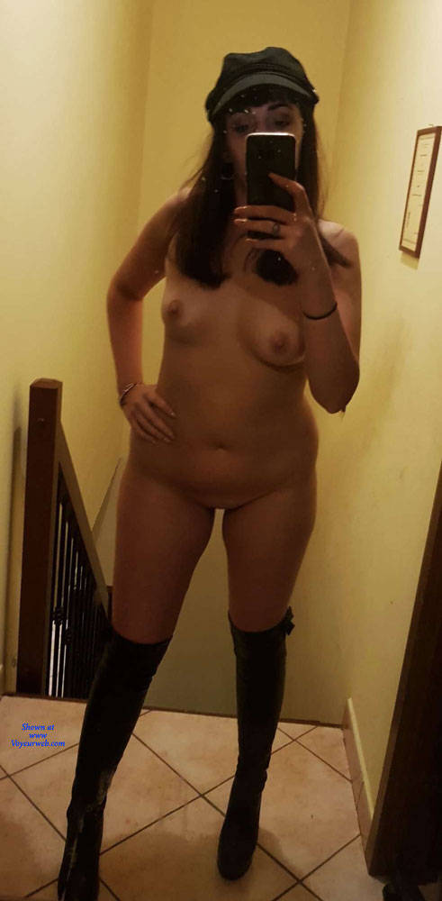 Pic #6 Trilly Loves Selfie - Amateur