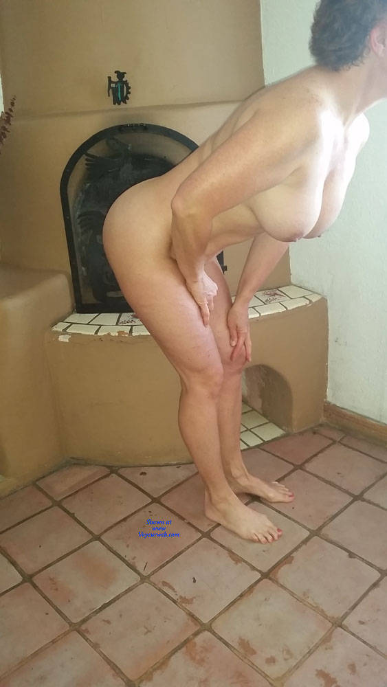 Pic #8 Bare Feet And Ass - Nude Wives, Amateur