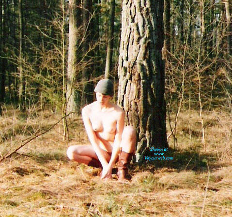 Pic #4 Bush In Bush - Nude Girls, Outdoors, Bush Or Hairy, Amateur, Nature
