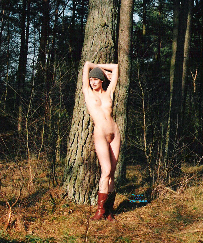 Pic #7 Bush In Bush - Nude Girls, Outdoors, Bush Or Hairy, Amateur, Nature