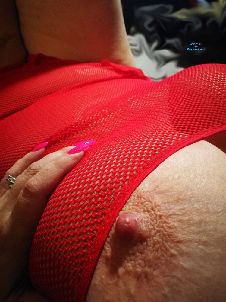 Pic #4 She Wants To Show It Off - Big Tits, See Through, Amateur
