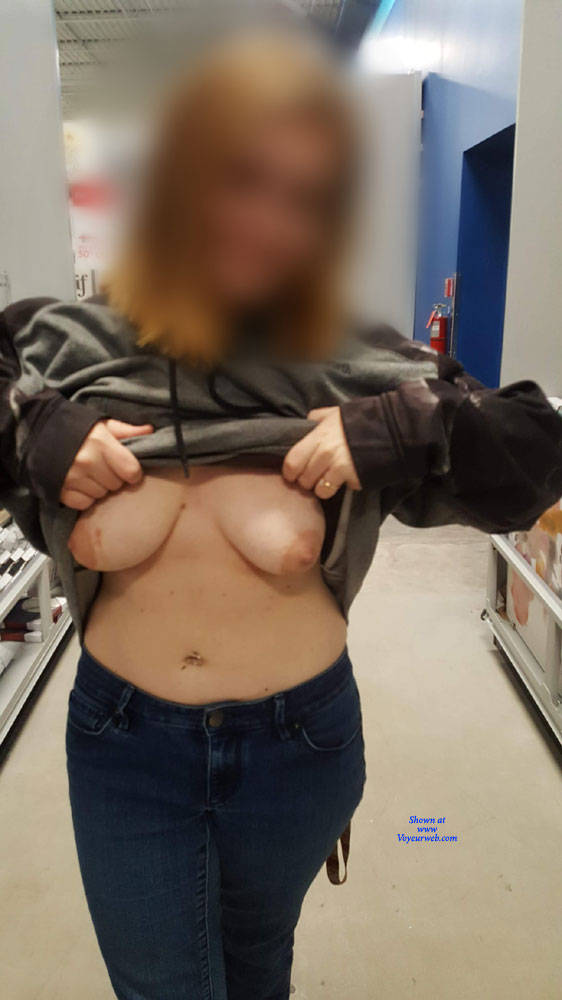 Pic #2 Naughty Tits - Big Tits, Public Exhibitionist, Flashing, Public Place, Amateur