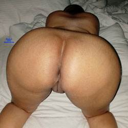 Bare Ass - Nude Wives, Amateur
