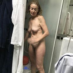 Corinne - Nude Amateurs