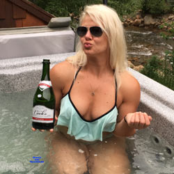 Vacation - Blonde, Outdoors, Amateur