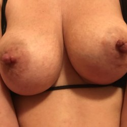 Large tits of my wife - Sexywife69
