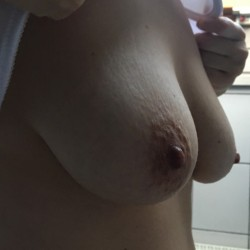 Medium tits of my wife - Nicole