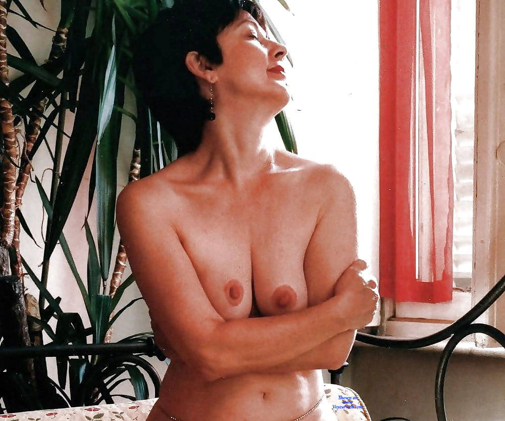 Sexy Italian Milf - April, 2019 - Voyeur Web-1175