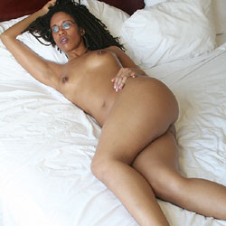 Bare in Bed - Nude Girls, Brunette, Ebony, Bush Or Hairy, Amateur