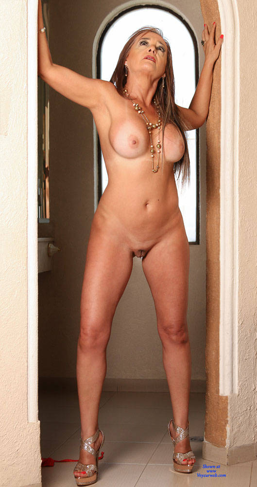 Mature nude party photo