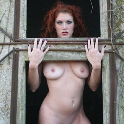 Silo Curves - Nude Amateurs, Big Tits, Mature, Outdoors, Shaved