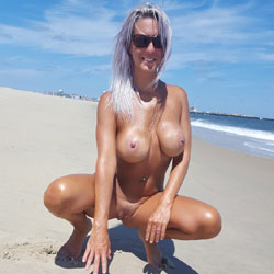 Feeling Free - Big Tits, Nude Outdoors, Shaved, Beach Voyeur, Naked Girl, Amateur