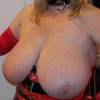 Extremely large tits of my wife - 36gee