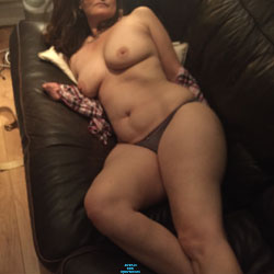 Fun On The Sofa - Big Tits, Mature, Wife/wives, Amateur