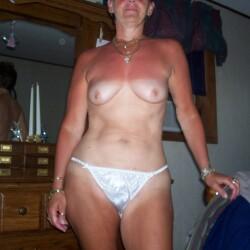 Medium tits of my wife - sheluvsdik