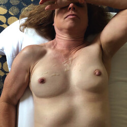 Small tits of my girlfriend - Everyday Mom Taking a Load
