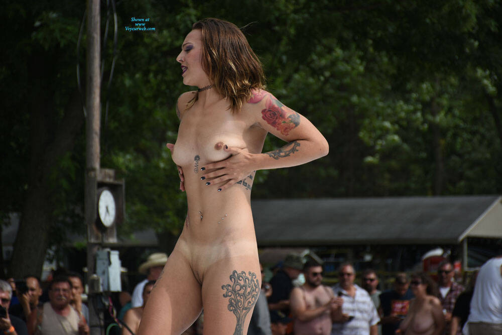 Nudesapoppin