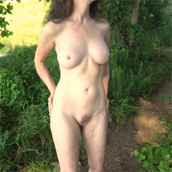 Ecstasy A Day At The Lake - Nude Girls, Big Tits, Brunette, Outdoors, Nature, Bush Or Hairy, Amateur