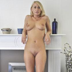 Hot Shoot - Nude Girls, Big Tits, Blonde, Amateur