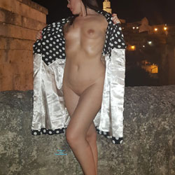 A Spasso Per Matera - Nude Girls, Brunette, Public Exhibitionist, Outdoors, Shaved, Amateur