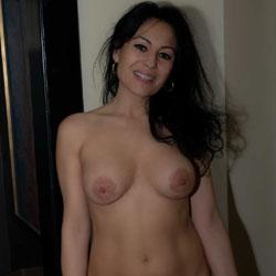 Introducing Elsa To VoyeurWeb!!! - Nude Amateurs, Big Tits, Brunette, European And/or Ethnic, Mature