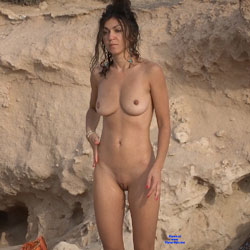 Slim Brunette - Nude Girls, Big Tits, Brunette, Outdoors, Shaved, Beach Voyeur