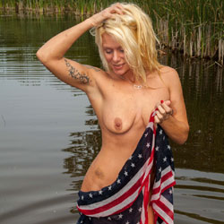 Independence - Nude Amateurs, Big Tits, Blonde, Outdoors, Tattoos