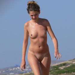 First Time Nude Beach - Nude Girls, Beach, Brunette, Outdoors, Shaved, Beach Voyeur