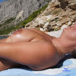 couples naked at beach