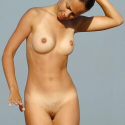 Small tits of a co-worker - Inconnue