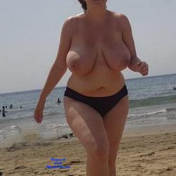 Lady On The Beach - Topless Girls, Beach, Big Tits, Outdoors, Beach Voyeur